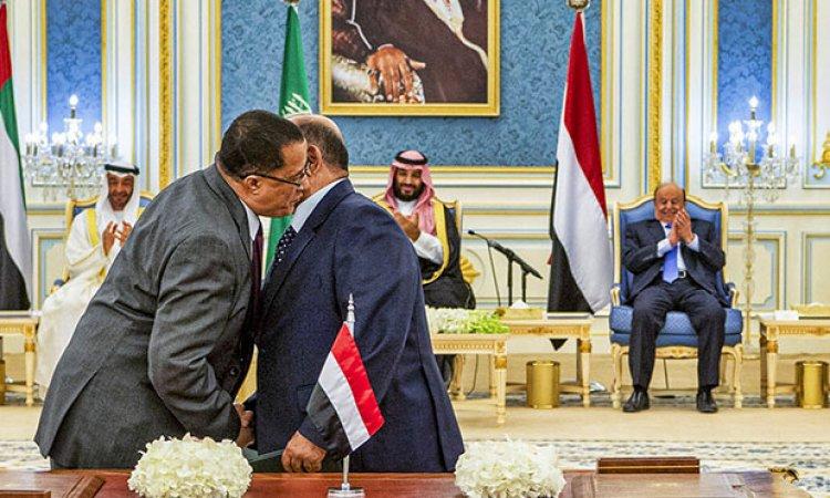 الرئيس هادي يصدر قرار بعزل معين عبدالملك ويقلب الطاولة على التحالف ويعلن عن خطوات ناسفة وتعجيزية للإمارات.